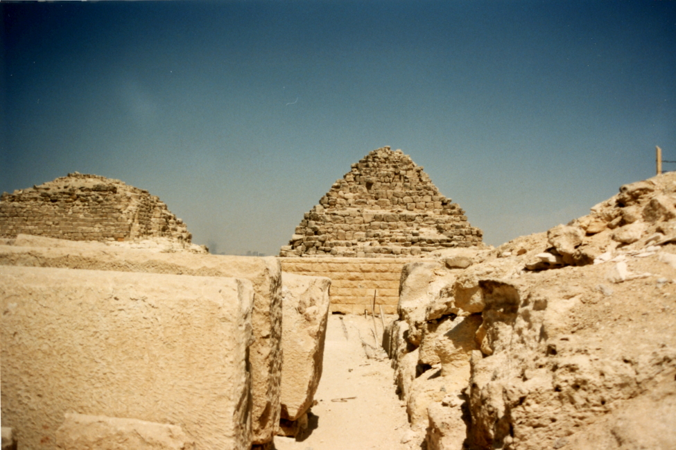 Small pyramids and tombs of queens and nobles