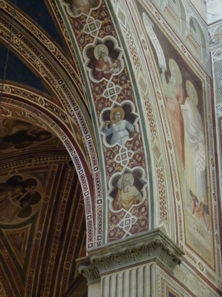 Even the underside of arches are lavishly painted
