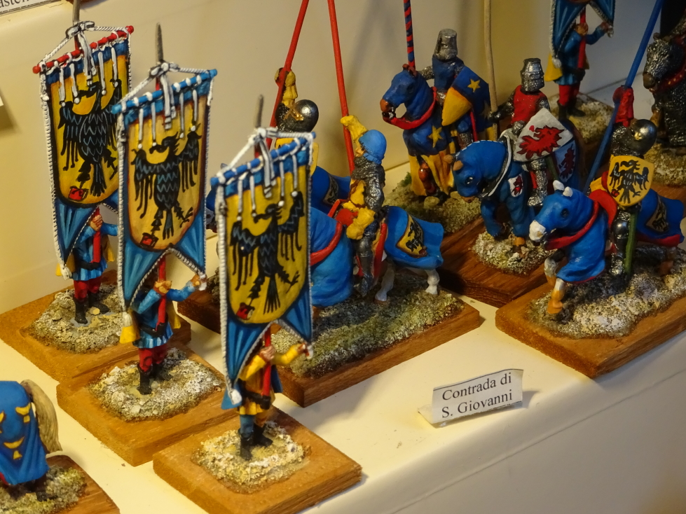 Cool metal soldiers for sale (I resisted -- barely!)