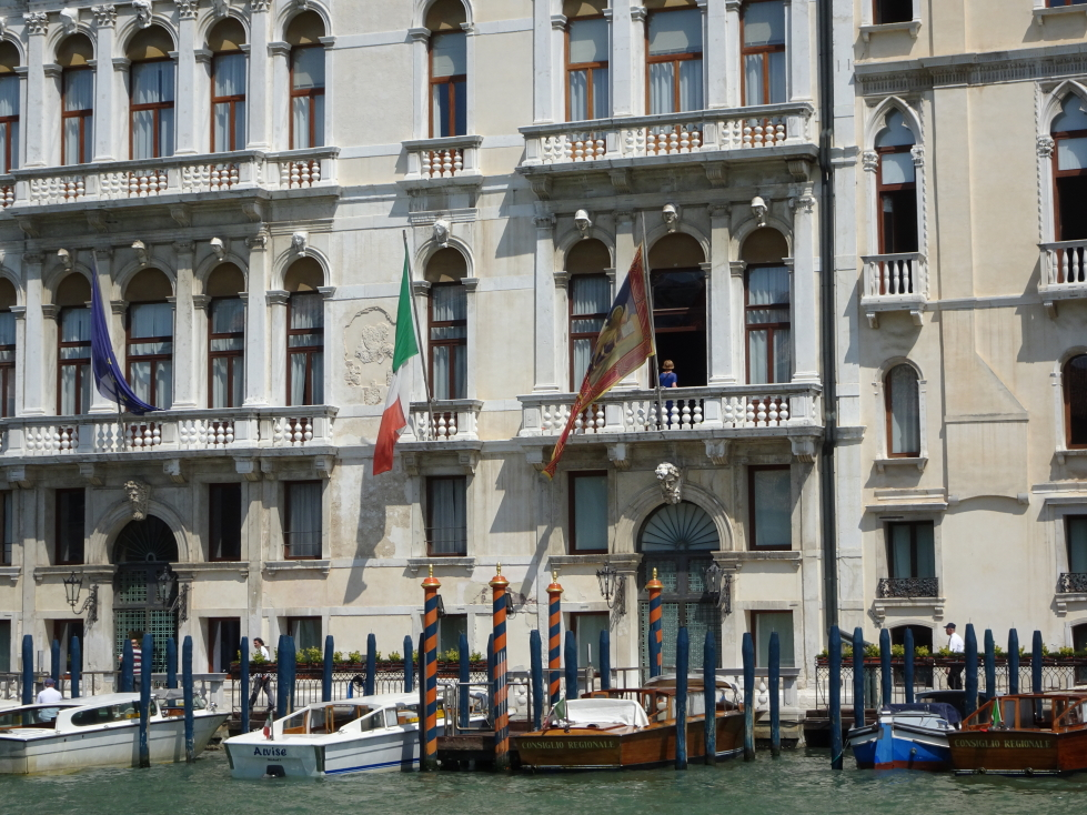 Building along the Grand Canal