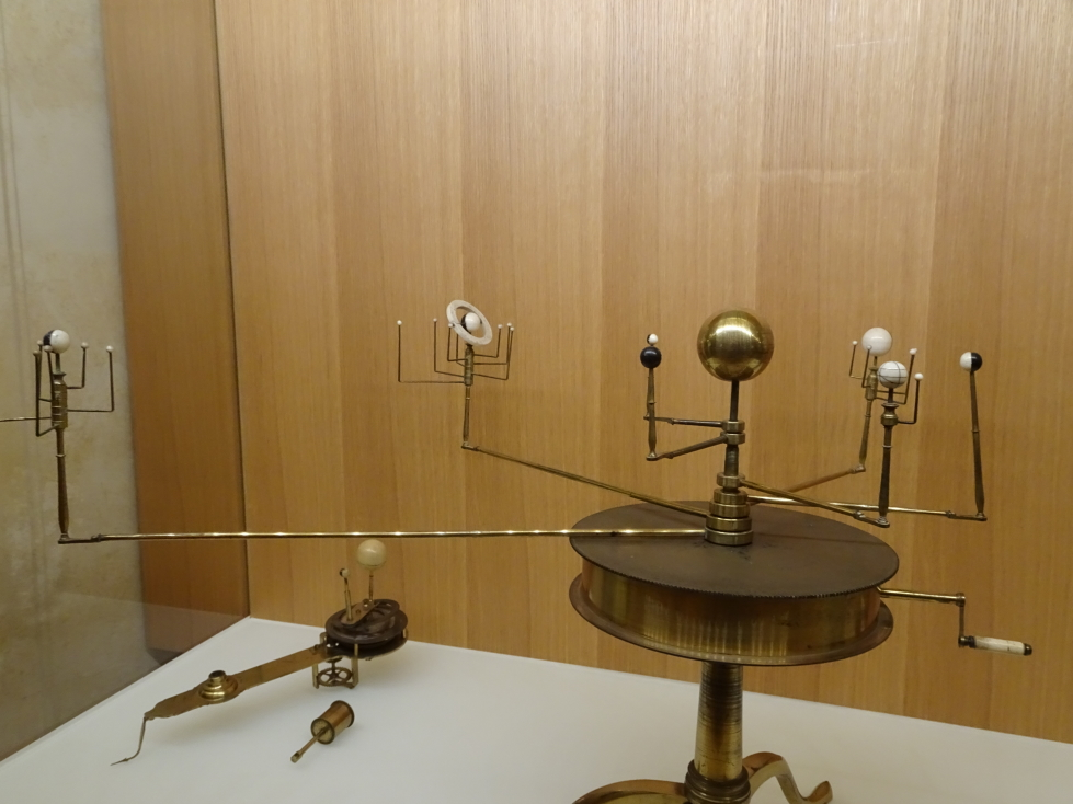 Instrument showing the planets and their moons