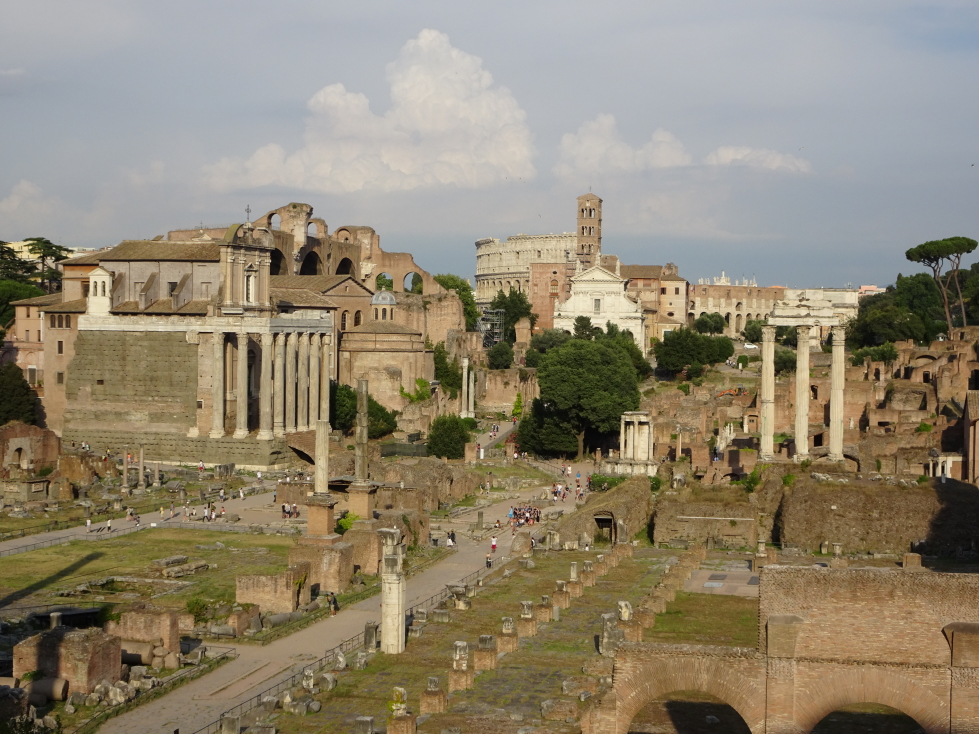 Looking towards the Colosseum, Antoninus and Faustina Temple on the left
