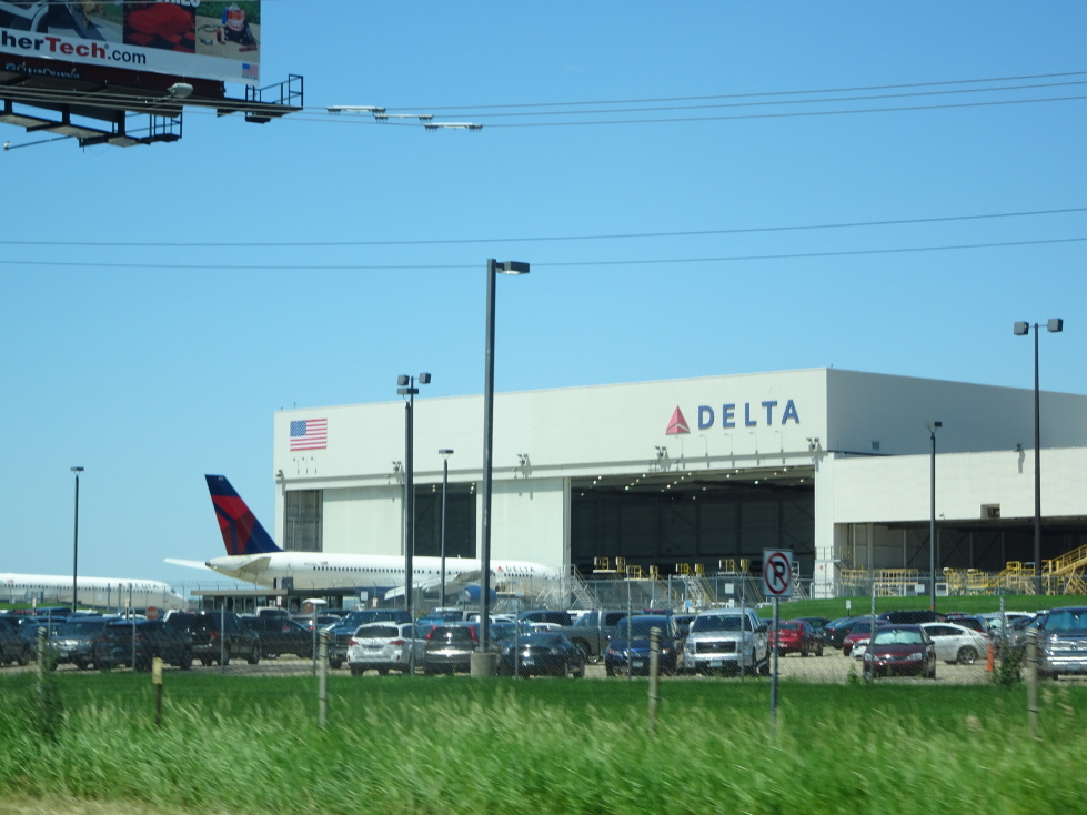 Delta hangar near Minneapolis' airport