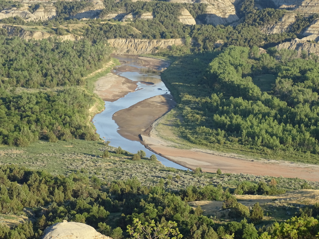 Closeup of the bend in the Little Missouri River