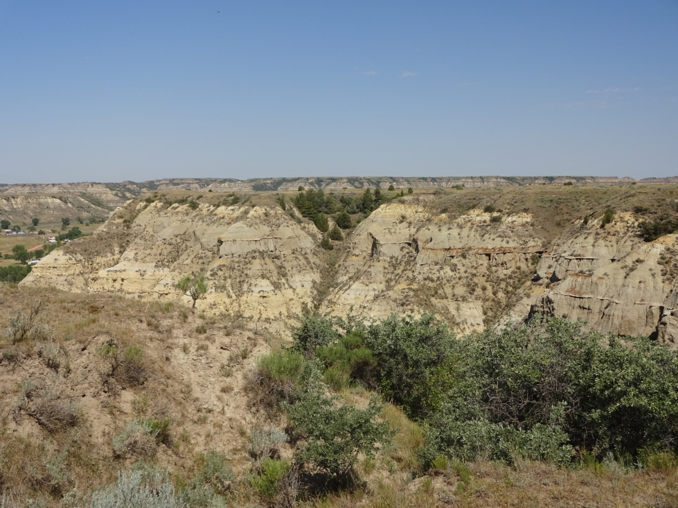 Badlands were all about, providing for some interesting riding